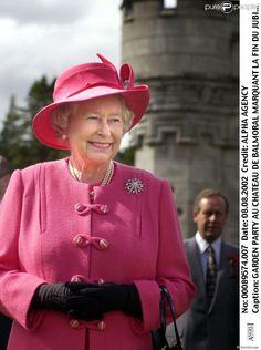 La reine Elizabeth II au château de Balmoral le 8 août 2002 pour la fin du golden jubilee.