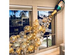 Champagne Balloons, Confetti Balloons, Champagne Party, Champagne Bottles, Balloon Garland, Foil Balloons, Champagne Birthday, Clear Balloons, 21st Balloons