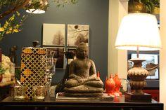 Ambiente Decorado em nossa loja no bairro de Lourdes.#Buda #Estatueta #Quadros #Abajur Acesse nosso site www.casamaia.com.br