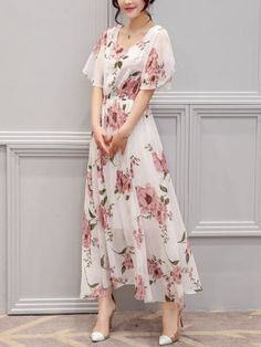 Dresses - - Chic Round Neck Floral Printed Chiffon Maxi Dress Source by joykesya Chiffon Maxi Dress, Maxi Dress With Sleeves, Dress Skirt, Short Sleeve Dresses, Maxi Dresses, Chiffon Saree, Floral Maxi Dress, Long Sleeve, Evening Dresses