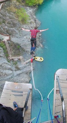 43 meter Kawarau Bridge bungy in Queenstown New Zealand. Probably the best thrill seeking experience I have had to date, I absolutely loved it!