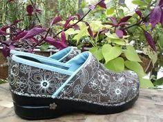 New Dansko Koi Womens Comfort Patent Nurse Clogs Sanita Soles Shoes 39 8 5 9 | eBay