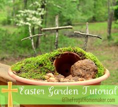 Easter Garden tutorial (Empty tomb garden) - The Frugal Homemaker Spring Crafts, Holiday Crafts, Holiday Fun, Happy Easter, Easter Bunny, Easter Garden, Dish Garden, Garden Pots, Empty Tomb