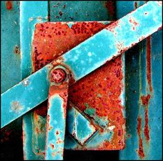 Google Image Result for http://indiapiedaterredotcom.files.wordpress.com/2012/12/rust-and-blue-by-photographer-tina-negus.jpg%3Fw%3D500%26h%3D495
