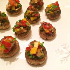 Yummy ideas for holidays- gourmet canapés Bruchetta, Canapes, Original Recipe, Baked Potato, Avocado, Baking, Ethnic Recipes, Holidays, Drinks