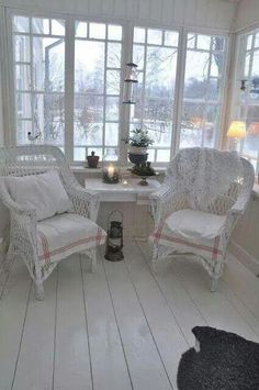 Exalted Shabby Chic Kitchen Red Ideas - Amazing and Unique Ideas Can Change Your Life: Shabby Chic Wall Decor Fixer Upper diy shabby chic p - Tables Shabby Chic, Shabby Chic Porch, Shabby Chic Wall Decor, Shabby Chic Bedrooms, Shabby Chic Kitchen, Shabby Chic Homes, Shabby Chic Furniture, Vintage Furniture, Salon Furniture
