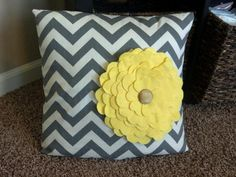 No sew felt flower pillow!