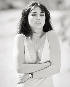 Beautiful Girl Image, Gorgeous Women, Beauty Full Girl, Beauty Women, Sr1, Actrices Hollywood, Good Looking Women, Beautiful Bollywood Actress, Black And White Portraits