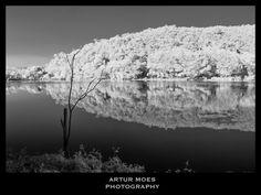 Infrared #landscape #paisagem #landscapephotography #beutifulplaces #nature #naturephotography #fotografiadenatureza #natureza #rainforest #mataatlantica #BioCenas #blackandwhite #pretoebranco #infravermelho #infrared #infraredphotography #RioDeJaneiro #RJ #ArturMoes #arturmoesphotography
