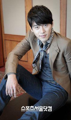 Hyun Bin, this man has a beautiful voice.