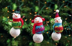 $17.99-$28.51 Christmas Ornaments Snowman 3 Assorted - Add warmth and whimsy to the room, whether tucked within the branches of your Christmas tree or hanging upon the wall. Perfect to use year after year, these pieces are enchanting. http://www.amazon.com/dp/B005HATYSW/?tag=pin2wine-20