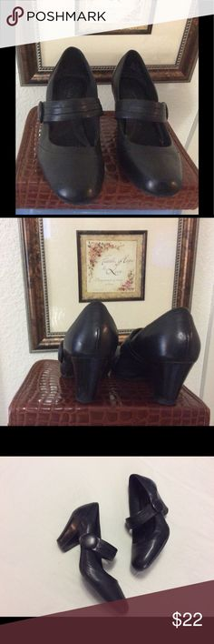 Clarks Mary Jane Clarks Bendable Leather Black Mary Jane Heels. Gently used. Nice for work or casual wear. Clarks Shoes Heels