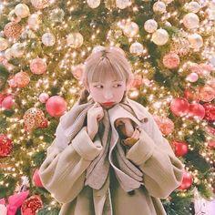 Korean Ulzzang, Ulzzang Boy, Korean Girl, Korean Photography, Christmas Icons, Uzzlang Girl, Shy Girls, Christmas Drawing, Ulzzang Couple