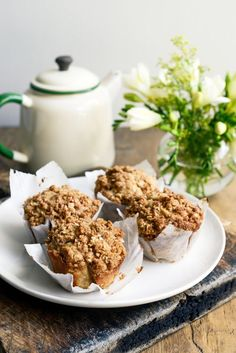spiced apple crumble muffin