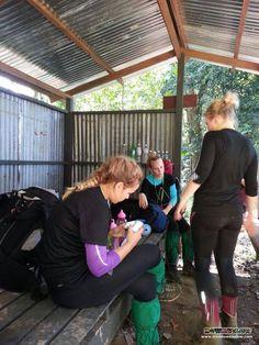 The ladies get ready to start on their Salt Trails jungle trek :)