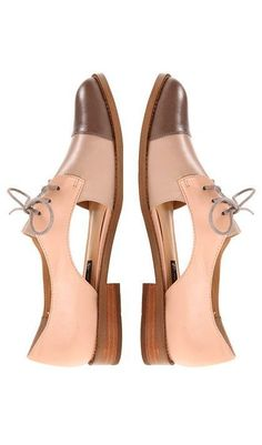 Flawless Flat Shoes from 58 of the Trending Flat Shoes collection is the most trending shoes fashion this winter. This Flat Shoes look related to sandals, shoes, ankle strap and pumps was… Women's Shoes, Cute Shoes, Me Too Shoes, Shoe Boots, Flat Shoes, Shoes Sneakers, Cute Flats, Shoes Style, Casual Shoes