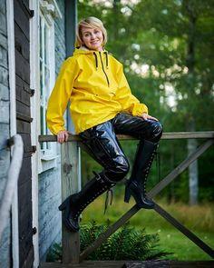 Rain Suit, Pvc Raincoat, Going To Rain, Rain Gear, Raincoats For Women, Rain Boots, Rain Jacket, Leather Pants, Windbreaker