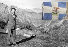 Ο Νικόλαος Λεονταρής έσωσε από τους Ιταλούς στρατιωτικά κειμήλια του ιστορικού 5ου τάγματος, που είχε υπερασπιστεί το ύψωμα 731 Macedonia, Mount Rushmore, Tapestry, Mountains, Nature, Painting, Hanging Tapestry, Painting Art, Paintings