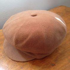 True Vintage ladies Kangol wool cap beret honey gold size S/M