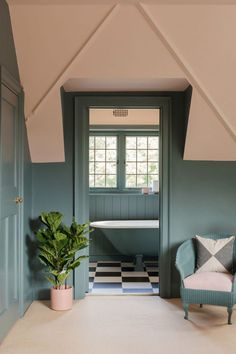 59 Ideas For Living Room Grey Modern Farrow Ball Two Tone Walls, Two Tone Paint, Inchyra Blue, Best Bathroom Colors, Farrow Ball, White Ceiling, Trendy Bedroom, Blue Bedroom, Bedroom Modern