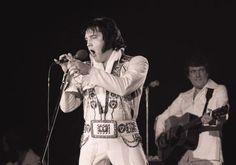 Feb 12th, 1977 : Elvis begins his 1st tour of 1977 at the Sportatorium, Florida