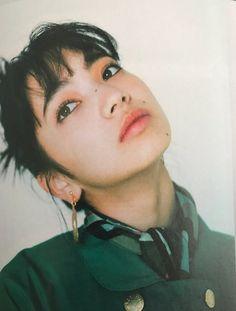 on in 2020 Nana Komatsu Fashion, Komatsu Nana, Shadow Face, Photographie Portrait Inspiration, Tumbrl Girls, Draw On Photos, Model Face, Creative Portraits, Ulzzang Girl