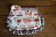 Little girl's apron by HeyBubbles, via Flickr