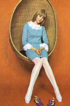 Vogue 1967 baby blue mini dress white collar cuffs tights twiggy mod that girl… 60s And 70s Fashion, Mod Fashion, Trendy Fashion, Vintage Fashion, Sporty Fashion, Fashion Women, Winter Fashion, Poses, Vogue Vintage