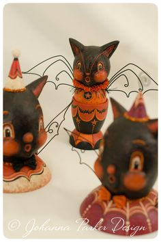Bats by Johanna Parker Design ~ This lady's artistic talent is remarkable! I ♥ the wire wings on the bat! I'm a BIG fan!