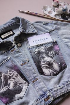 Painted Denim Jacket, Painted Jeans, Painted Clothes, Aesthetic Shirts, Aesthetic Clothes, Custom Clothes, Diy Clothes, Denim Art, Fashion Terms