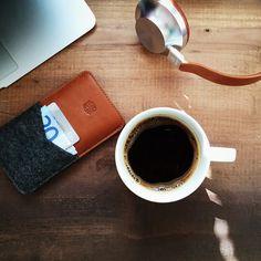 #handwers #iphone #sleeve #leather #handmade #coffee #aedle #breakfast #headphones #macbookair
