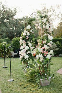 outdoor ceremony centerpiece | Magnolia Pair #wedding