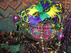 Mardi Gras Decorations | My Mardi Gras Decor - Holiday Forum - GardenWeb