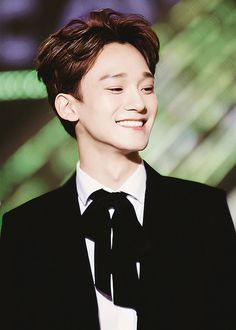 chenchen ♡ #exo His bright smile n esp his voice r melting me