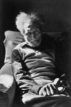 Presentamos una galería con la obra fotográfica de Henri Cartier-Bresson, uno de los fotógrafos más importantes del siglo XX.