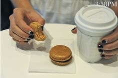 Quick break for a latte + french macarons