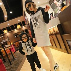 2017 Spring New Matching Mother Daughter Clothes Mother Son Outfits Cotton Mickey Long Sleeve Hoodies Sweater Sweatshirts Shirt