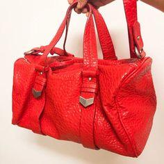 48ed894dfd6e1  Bolsa  couro  ecologico  texturizado cor  coral Zara 😉 alça longa  removível