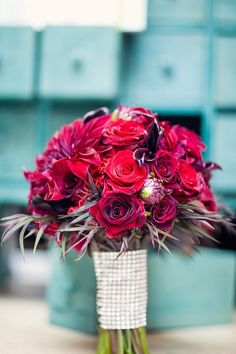 Rich reds ~ wedding bouquet by botanicallure.com, Photography by weheartphotography.com