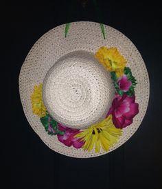 Spring wreath on straw hat -door decor!