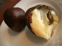 Salak and Jambu - Indonesian Food     If it feels like a snake, and it looks like a snake, then it must be a ... fruit!?