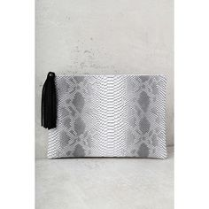 Sultry Sidewinder Grey Snake Print Clutch ($34) ❤ liked on Polyvore featuring bags, handbags, clutches, grey, gray handbags, grey handbags, gray purse, snake print purse and lulu purses