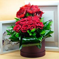 Kırmızı Concept Aranjman  Kullanılan Malzemeler: İthal Gül, Amarilis ve Dekoratif Kutu