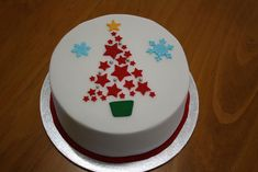 2012 Christmas Cakes, via Flickr. Christmas Cake Designs, Christmas Cake Topper, Christmas Cake Decorations, Christmas Cupcakes, Christmas Sweets, Holiday Cakes, Christmas Cooking, Christmas Goodies, Xmas Cakes