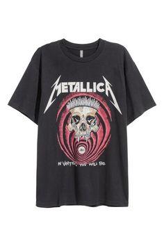 T-shirt with a print motif - Black/Metallica - Men | H&M GB 2