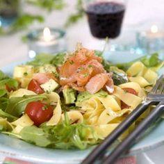 Arugula, Cabbage, Vegetables, Food, Rocket Salad, Arugula Salad, Essen, Cabbages, Vegetable Recipes