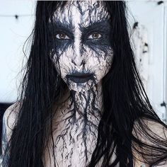 Halloween Tattoo designs considered as attractive tattoo. Ink your self with Festive tattoo Pumpkin Tattoos and many more on halloween day. Creepy Halloween Makeup, Creepy Makeup, Witch Makeup, Fx Makeup, Halloween Looks, Cosplay Makeup, Costume Makeup, Diy Halloween, Demon Makeup