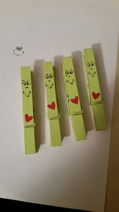 Grinch clothespins add a magnet to back to stick on fridge Grinch Christmas Party, Kids Christmas, Popsicle Stick Crafts, Craft Stick Crafts, Grinch Ornaments, Christmas Ornaments, Christmas Favors, Wooden Clothespin Crafts, Wood Craft Patterns