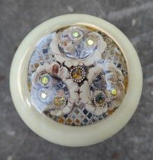 Ivory Pearl Antique Brooch Shift Knob