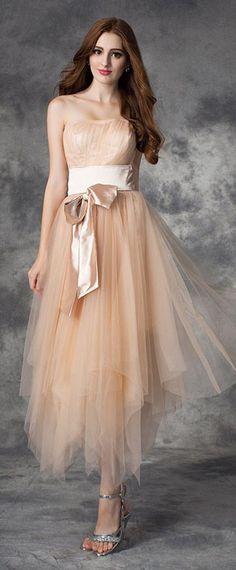 Robe de soirée princesse en tulle orné de noeud papillon